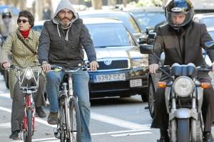 Tráfico podría obligar a los ciclistas a sacarse el carnet