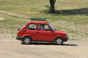 Los extremeños conducen los coches más viejos de España