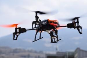 Francia usa drones para vigilar la carretera