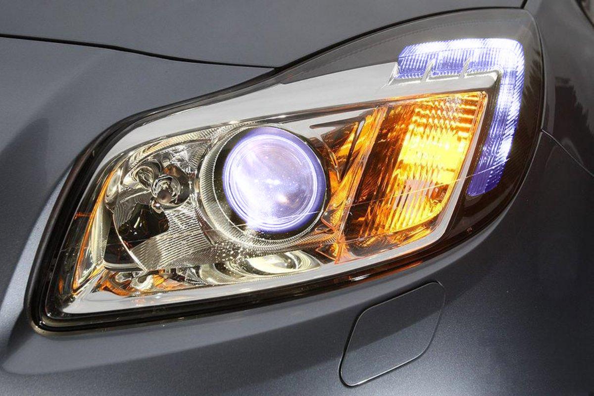 Instala luces diurnas en tu coche